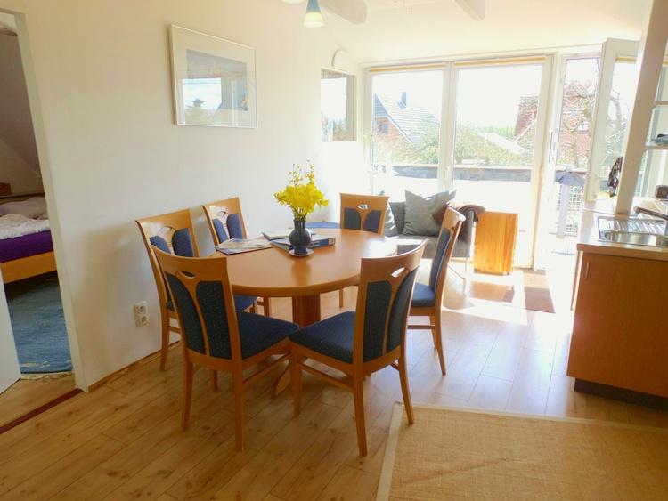 obere Wohnung, Wohnküche mit guter Ausstattung