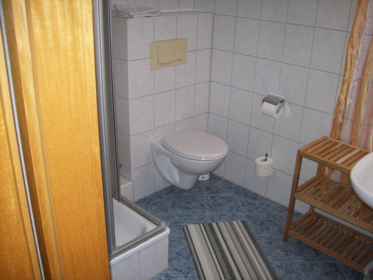Wohnung II, Dusche - WC, Waschmaschine