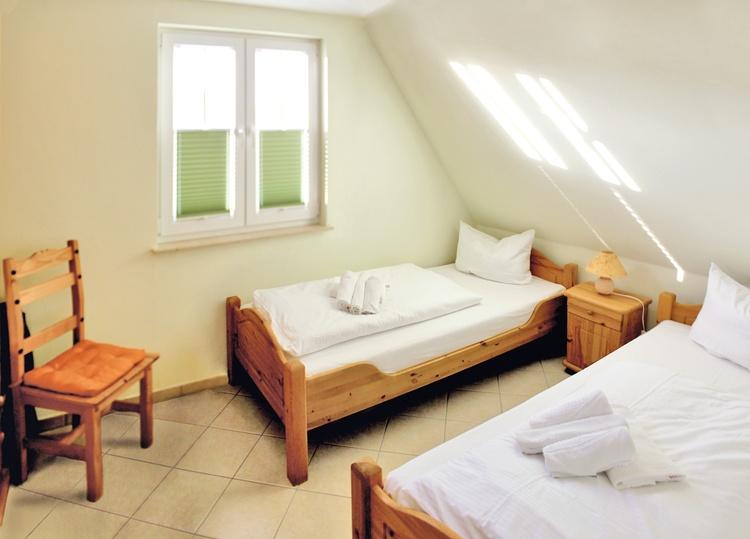 Schlafzimmer 2 2 Betten 1.Eatage