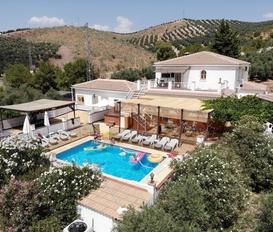 holiday villa Iznajar