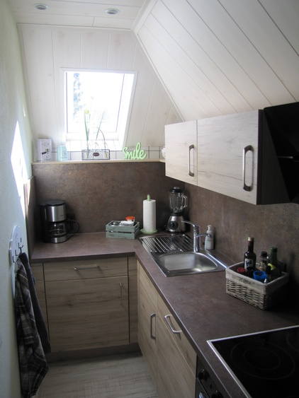 Moderne Küche mit allem ausgestattet