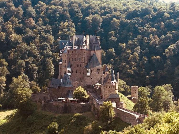 Die Burg Eltz in der Eifel