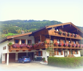 Holiday Apartment Zillertal Stumm