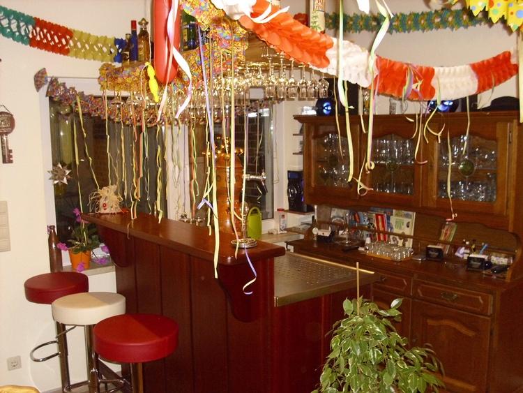 Frühstücksraum mit Tresen Frühstücksraum mit Tresen, Kickertisch & Dart