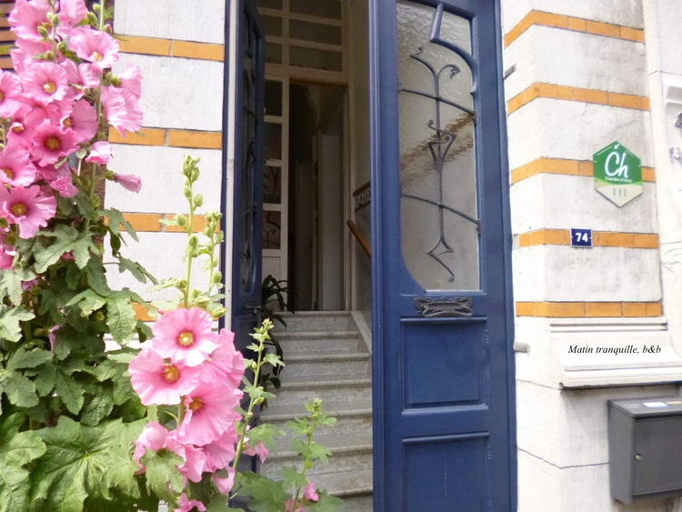 """The entrance of the house """"Matin tranquille"""" (Quiet morning)"""