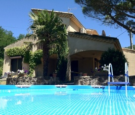 holiday villa Darbres