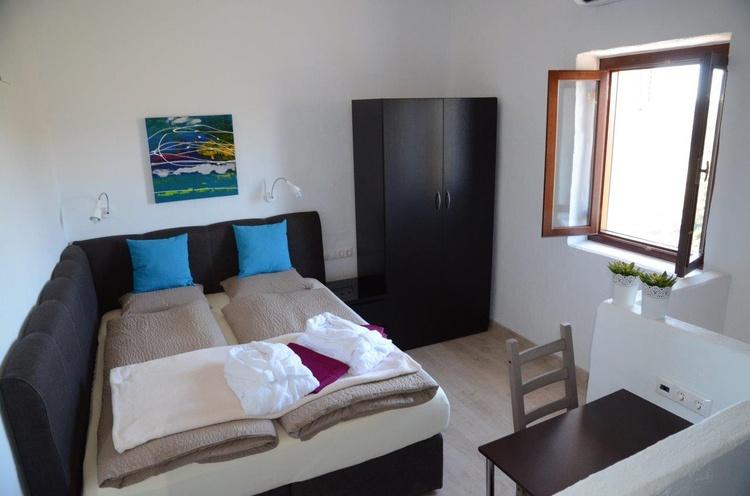 Bedroom of room so called Cadiz