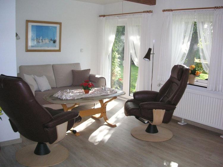 Fewo 3: Der Wohnraum mit direktem Gartenzugang
