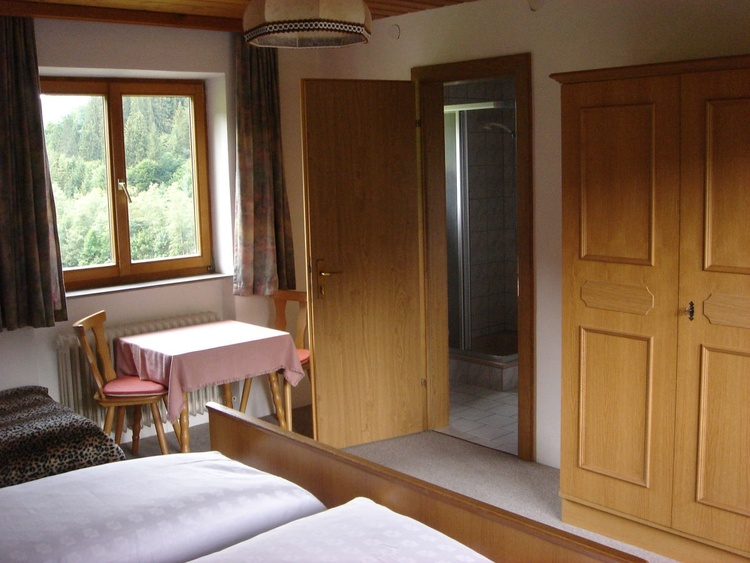 one of the bed rooms - with view to the Kundler Klamm
