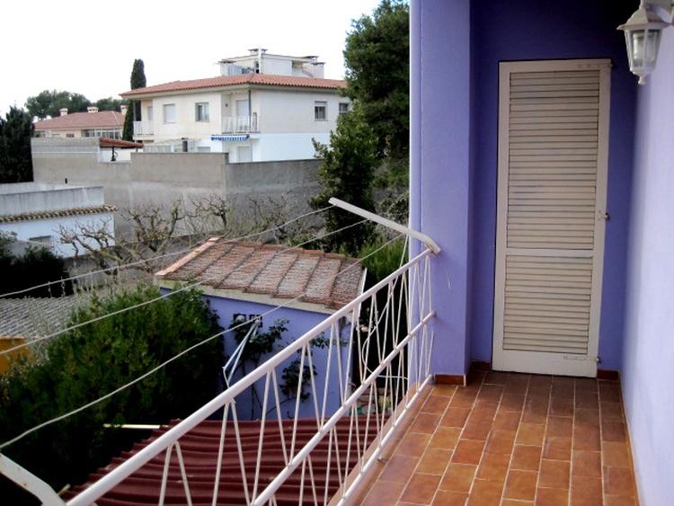 Southside balcony laundry bracket