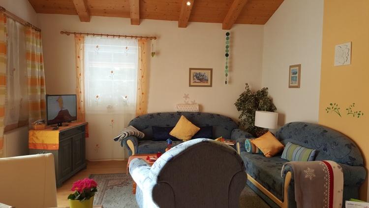 Wohnzimmer Südbalkonwohnung, Kabel-TV, WIFI,