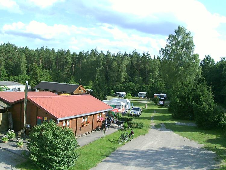 Eingang Campingplatz und Vermietung