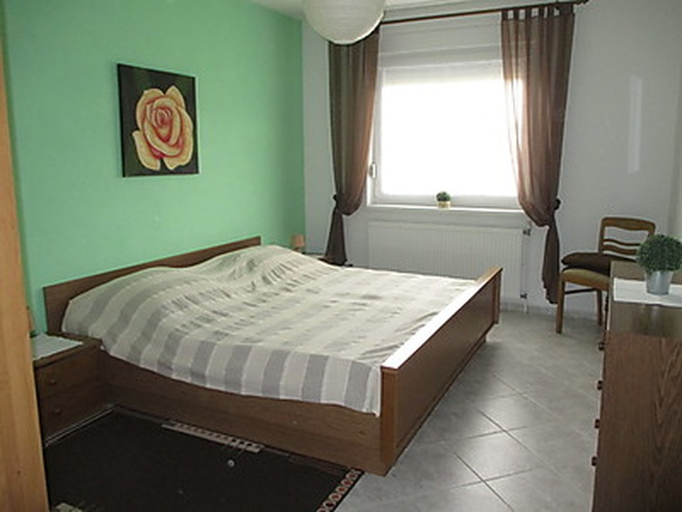 Wohnung 1, Schlafzimmer 1