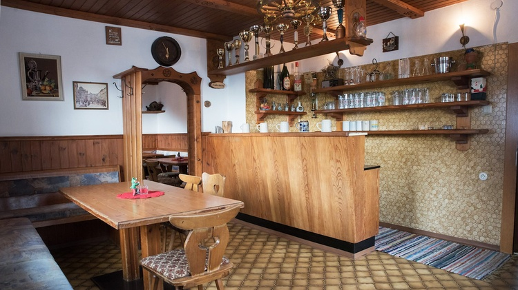 Bar in the dining room