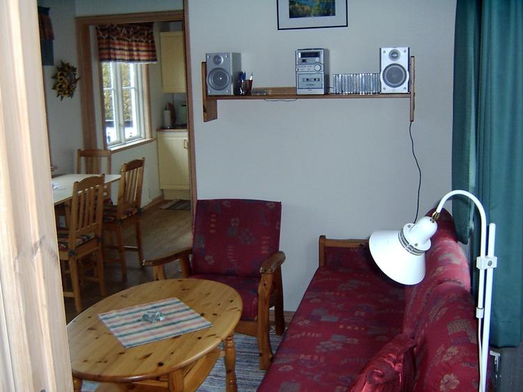 Wohnbereich Sitzecke mit Blick in die Küche