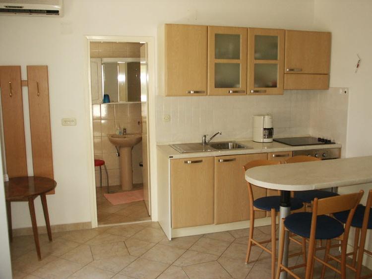 Kitchen & diningrom ap.3