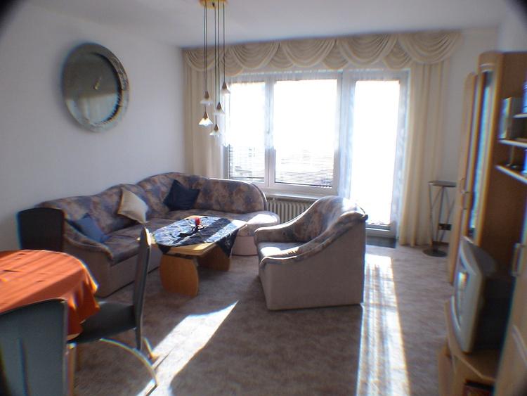 Wohnzimmer zum Balkon