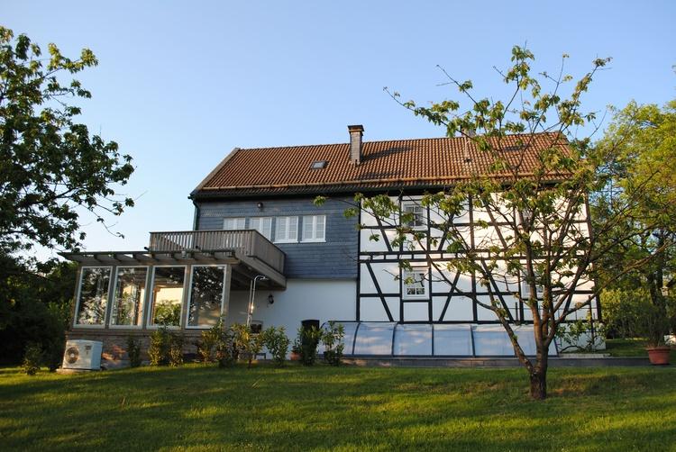 Casa Maria - Blick auf Pool und überdachte Terrasse