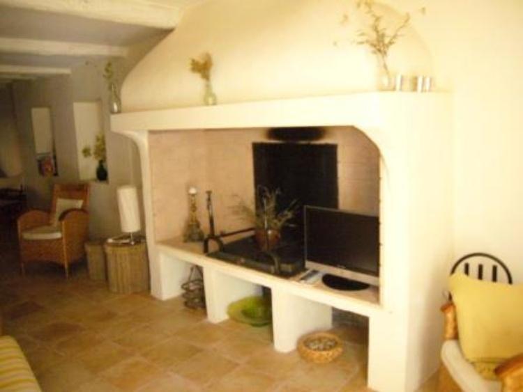 Wohnraum mit integrierter Küche/Essplatz