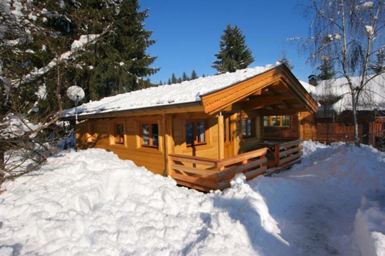 gemütliche Ferienhäuser mit viel Holz