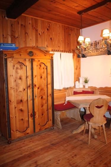 Essecke (Tisch geht zum ausziehen)